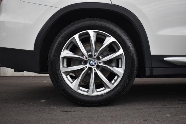 2018 BMW X3 xDrive30i     DUAL CLIMATE   LEATHER   HEATED SEATS & WHEEL  