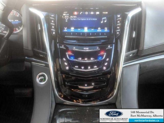 2018 Cadillac Escalade Platinum  |6.2L|Nav|Moonroof|Rear DVD Entertainment