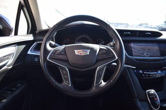 2018 Cadillac XT5 Luxury AWD  | LEATHER | MOONROOF