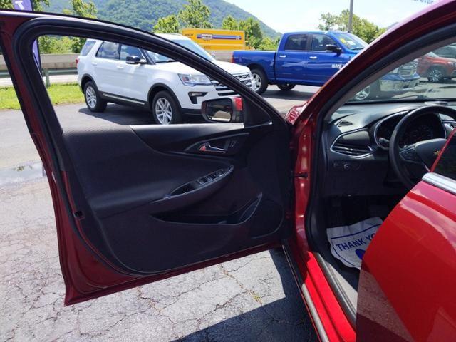 2018 Chevrolet Malibu 4dr Sdn LT w/1LT