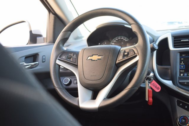 2018 Chevrolet Sonic LT  | CRUISE CONTROL | BACK UP CAM |