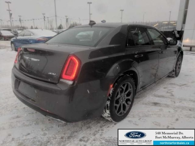 2018 Chrysler 300 S  |3.6L|Rem Start|Nav|Dual Panel Moonroof