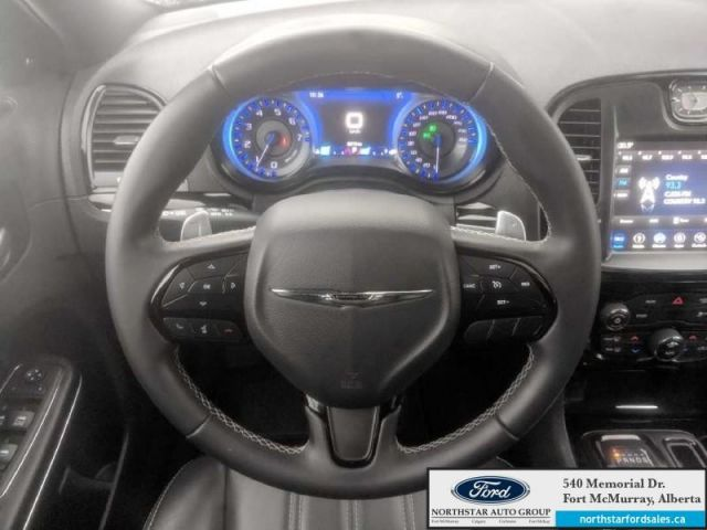 2018 Chrysler 300 S  |3.6L|Rem Start|Nav|Dual Panel Moonroof