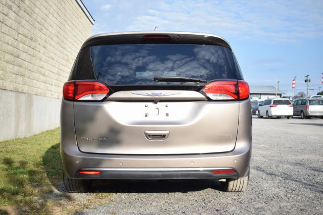 2018 Chrysler Pacifica Touring-L Plus  | LEATHER | POWER LIFT GATE