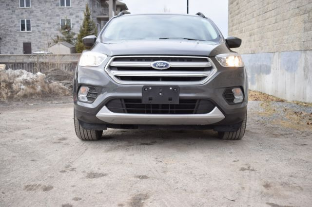 2018 Ford Escape SE  | NAV | DUAL CLIMATE |