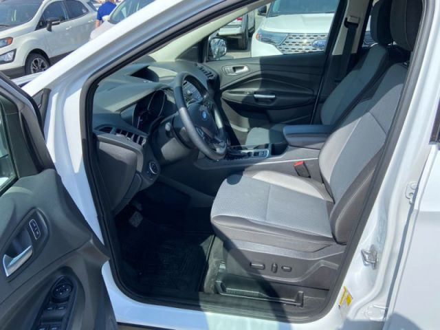 2018 Ford Escape SE  - Cloth Seats - Back Up Camera - $126 B/W