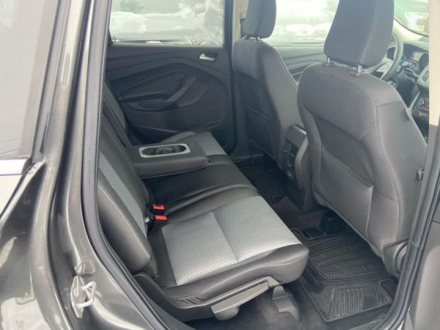 2018 Ford Escape SE  - One owner - Local - Ex-lease - $157 B/W