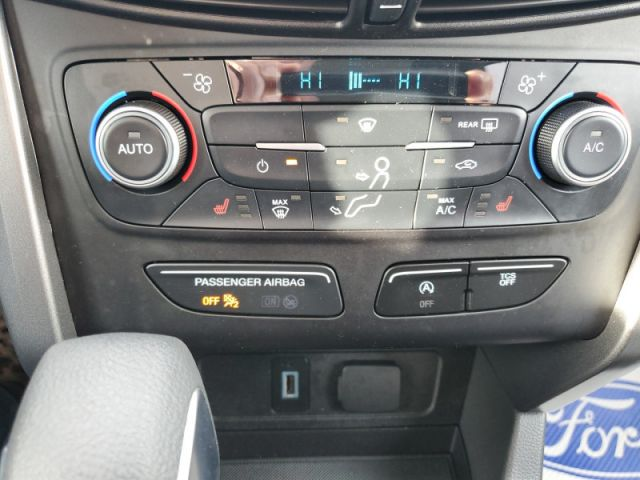 2018 Ford Escape SE  Only 28000 KMS!