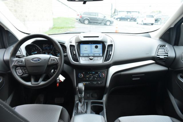 2018 Ford Escape SE  4WD, Back Up Cam, Heated Seats!