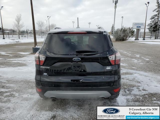 2018 Ford Escape SEL   LEATHER  NAV  MOONROOF  ECOBOOST  - $174 B/W