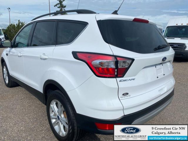 2018 Ford Escape SEL  |NAV| LEATHER| POWER LIFTGATE| ONE OWNER| - $181 B/W