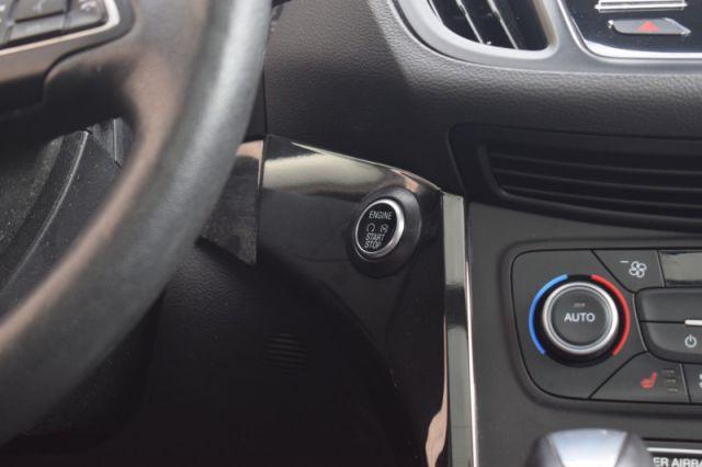 2018 Ford Escape Titanium    MOONROOF   LEATHER   DUAL CLIMATE  