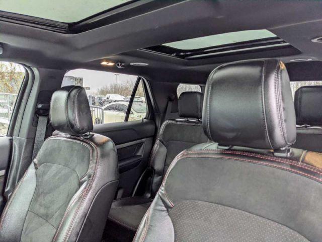 2018 Ford Explorer XLT AWD  |UP TO $10,000 CASH BACK O.A.C