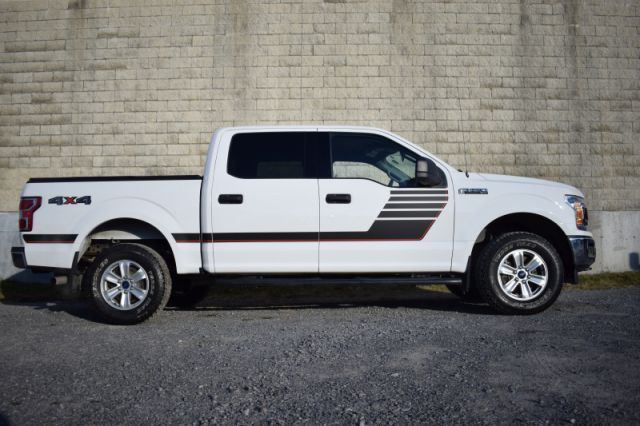 2018 Ford F-150 XLT  4X4 | TONNEAU COVER | SIDE STEPS | BEDLINER | BENCH SEATS |