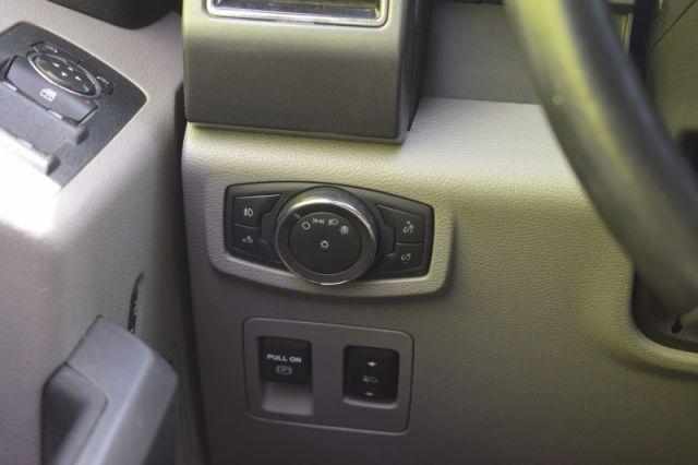 2018 Ford F-150 4X4 SUPERCREW-145    HEATED SEATS   NAV  