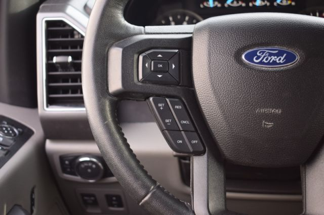 2018 Ford F-150 XLT  SIRIUSXM READY   BENCH SEAT   BEDLINER   TOUCH SCREEN   TRA