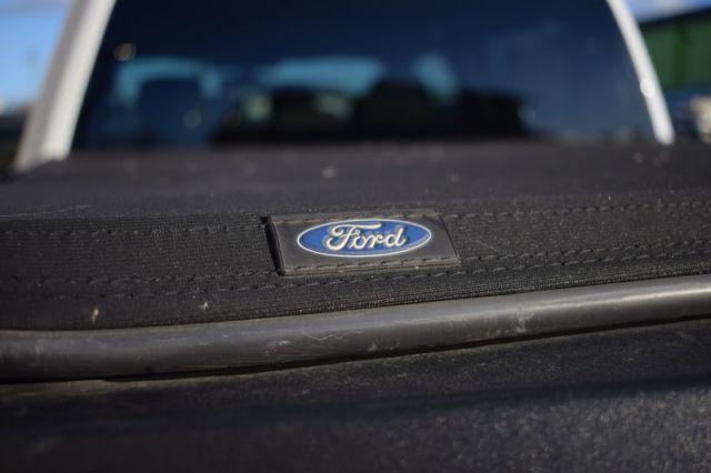 2018 Ford F-150 XLT    4X4   TONNEAU COVER