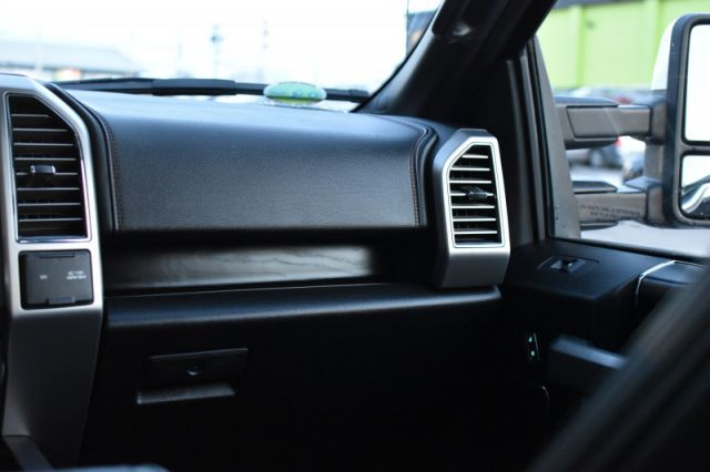 2018 Ford F-150 Platinum  4X4 | MOONROOF