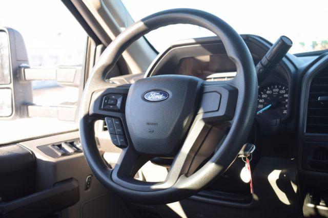 2018 Ford F-350 Super Duty XLT  | CRUISE CONTROL | BENCH SEAT |
