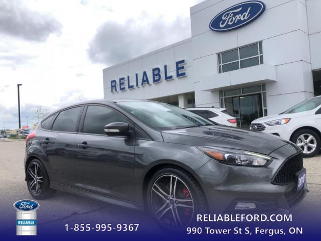 2018 Ford Focus ST   - Leather Seats -  Navigation- Sunroof- Back Up Camera- Hea