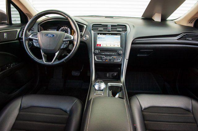 2018 Ford Fusion SE *CPO* / BACK UP CAM / NAV / HEATED SEATS