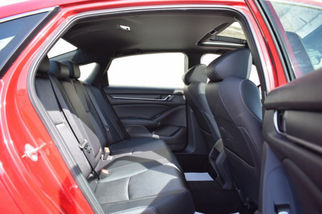 2018 Honda Accord Sedan Sport CVT  | SUNROOF | HEATED SEATS |