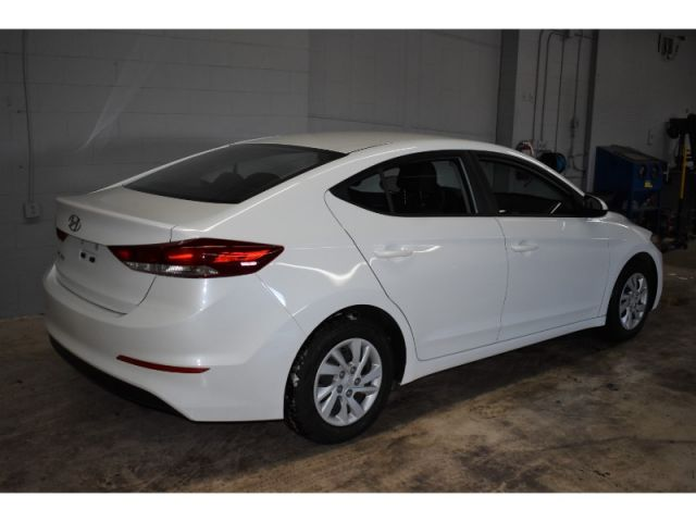 2018 Hyundai Elantra GL SE * LOW KMS * ALLOY WHEELS * HEATED FRONT SEATS *