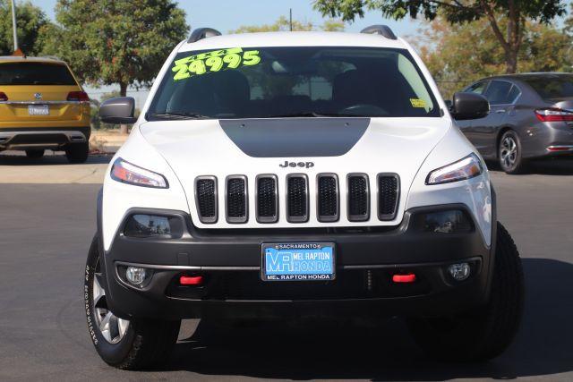 2018 Jeep CHEROKEE Sport Utility Trailhawk