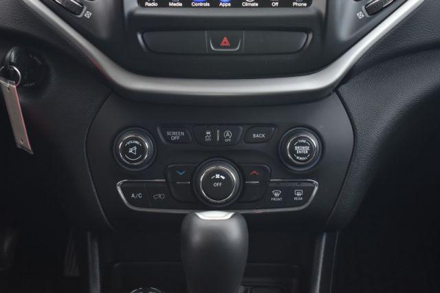 2018 Jeep Cherokee Trailhawk  - Bluetooth