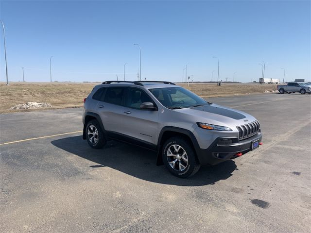2018 Jeep Cherokee Trailhawk  $145 / week