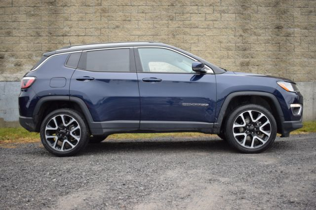 2018 Jeep Compass Limited  4X4 | LEATHER | MOONROOF | HEATED SEATS & STEERING WHEE
