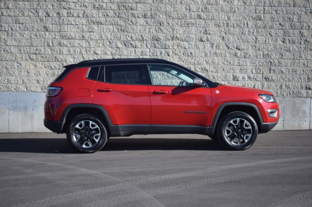 2018 Jeep Compass Trailhawk  | MOONROOF | LEATHER | DUAL CLIMATE | NAV |