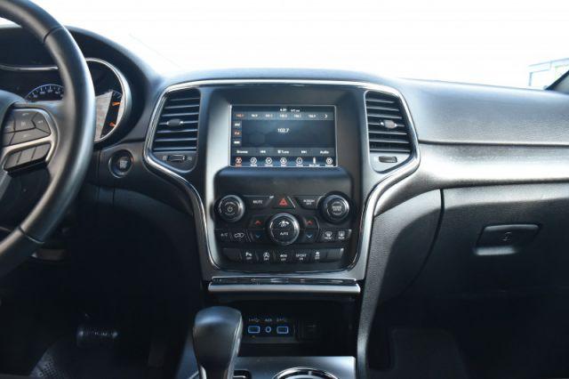 2018 Jeep Grand Cherokee Laredo  4WD, Back Up Cam, Alloys, Power Group!