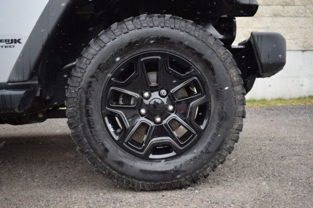 2018 Jeep Wrangler Unlimited Willys Wheeler  | TOUCH SCREEN | UPGRADED TIRES |