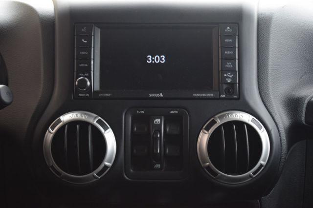 2018 Jeep Wrangler Unlimited Sahara  | HEATED SEATS | BLUETOOTH |