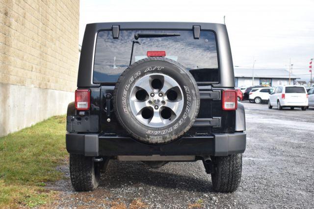 2018 Jeep Wrangler Unlimited Sahara  4X4   NAV   CRUISE CONTROL   HARD TOP   AUX