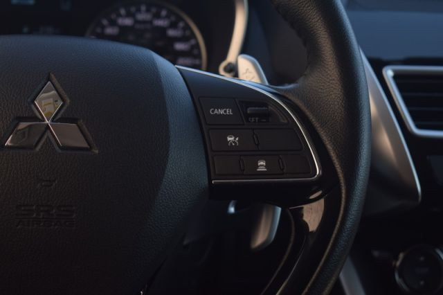 2018 Mitsubishi Eclipse Cross SE S-AWC    DUAL CLIMATE   HEATED SEATS   BACKUP CAM  