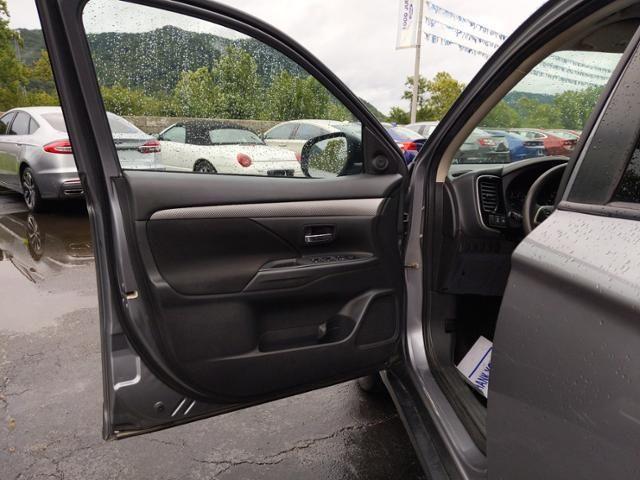 2018 Mitsubishi Outlander ES FWD