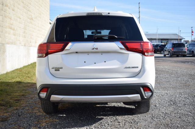 2018 Mitsubishi Outlander ES  | 4WD |HEATED SEATS