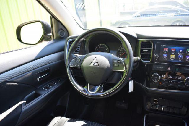 2018 Mitsubishi Outlander ES  | AWD | SUNROOF |