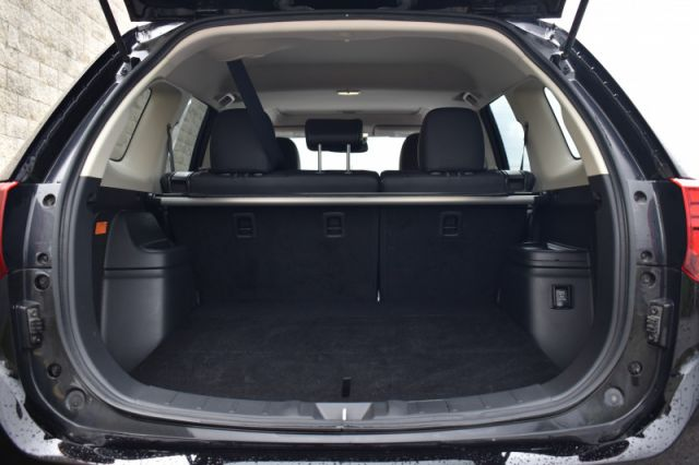 2018 Mitsubishi Outlander PHEV SE  - Leather Seats