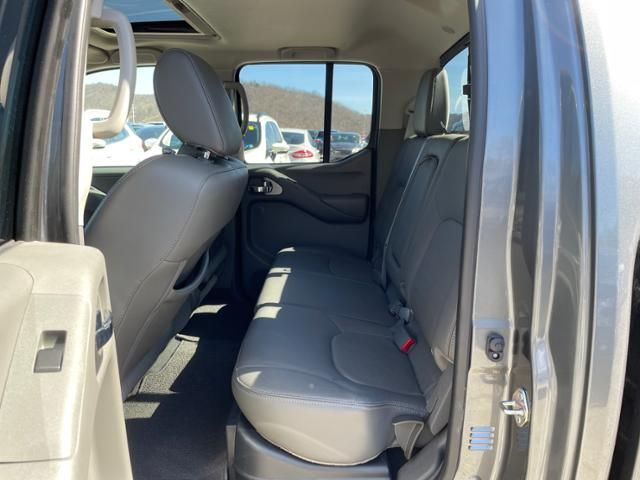 2018 Nissan Frontier Crew Cab 4x4 SL Auto