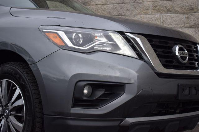 2018 Nissan Pathfinder 4x4 SL Premium    MOONROOF   LEATHER   NAV  