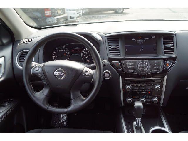 2018 Nissan Pathfinder SV