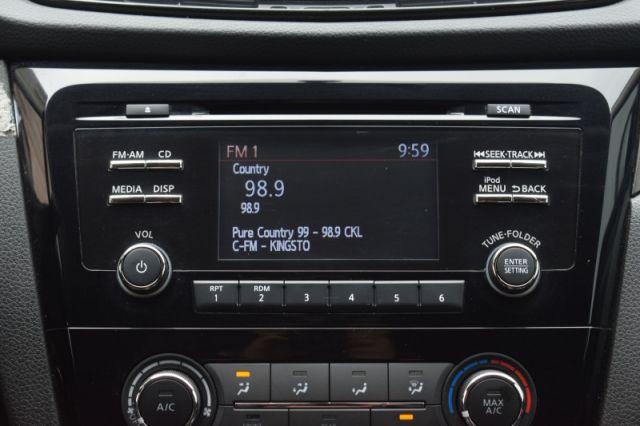 2018 Nissan Qashqai FWD SV CVT    HEATED SEATS    BACK UP CAM  