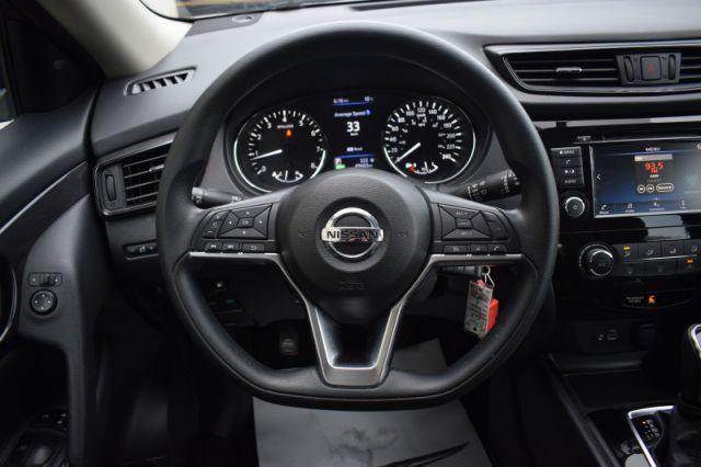 2018 Nissan Rogue FWD SV  | HEATED SEATS | BLUETOOTH | BACKUP CAM |
