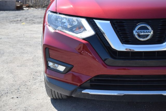 2018 Nissan Rogue AWD SV  | HEATED SEATS | BACK UP CAM |