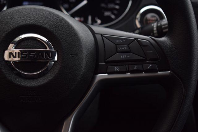 2018 Nissan Rogue AWD SV  | HEATED SEATS | BACK UP CAM |