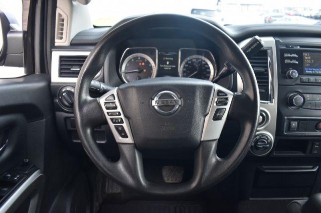 2018 Nissan Titan SV Crew  | 4X4 | PUSH START |