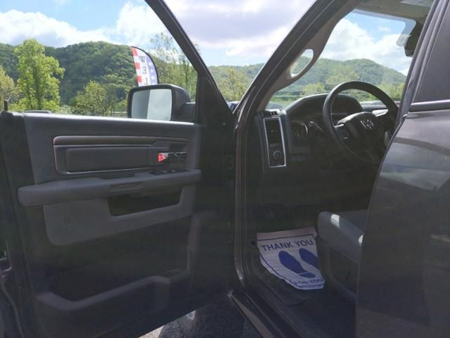 2018 Ram 1500 Big Horn 4x4 Crew Cab 57 Box
